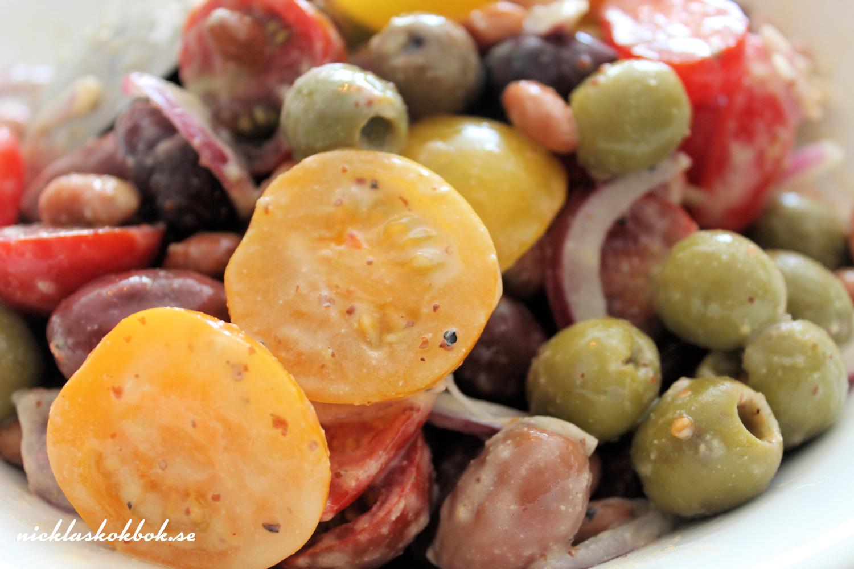 tomat- och bönsallad