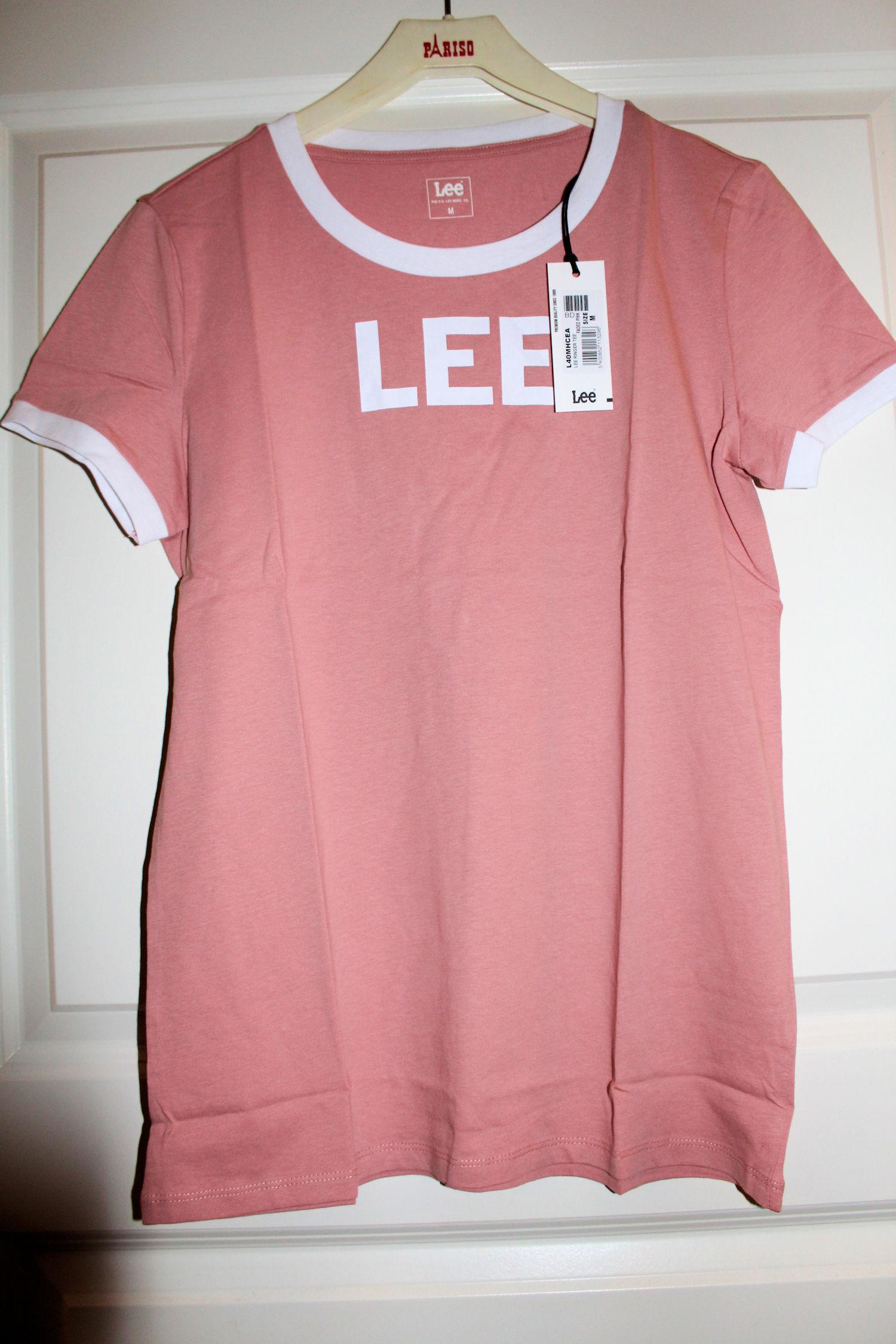 7ea2bc3609a Jag har snöat in mig på rosa och det får mig osökt att tänka på vad jag sa  till vår australiensiska utbytesstudent.